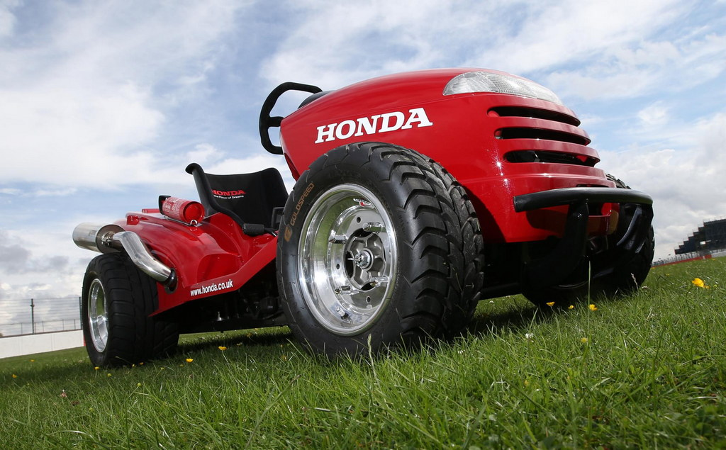 honda mean mower goes to sema. Black Bedroom Furniture Sets. Home Design Ideas