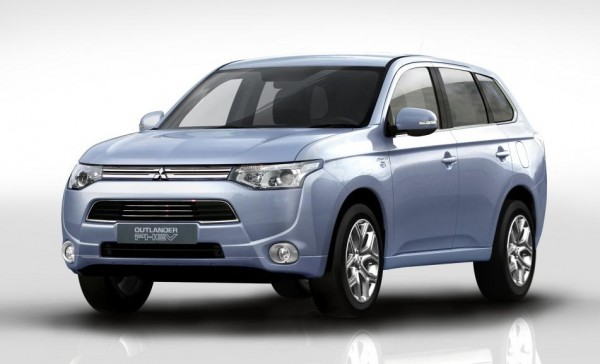Mitsubishi Outlander PHEV 600x364 at Mitsubishi Outlander PHEV Rated at 148 MPG