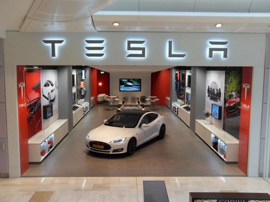 Tesla Model S UK Pricing Confirmed