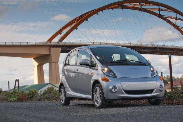 2014 Mitsubishi i MiEV at 2014 Mitsubishi i MiEV Gets $6,000 Price Cut