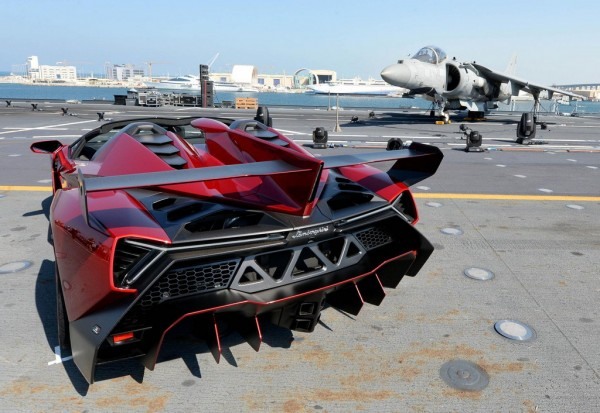 Lamborghini Veneno Roadster Debuts on Italian Aircraft Carrier