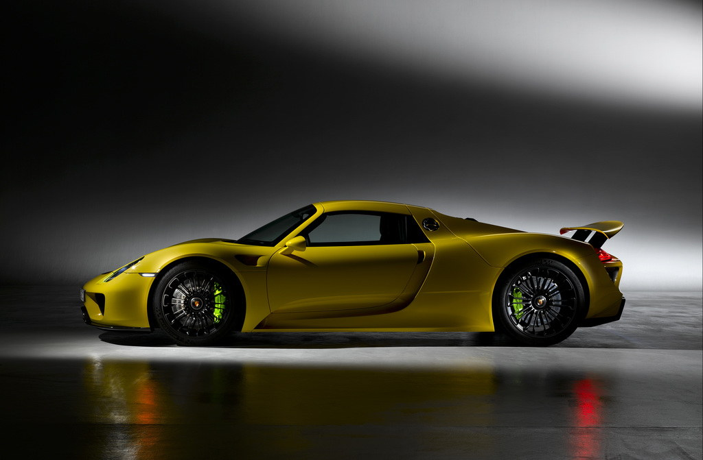 scrumptious porsche 918 spyder in yellow. Black Bedroom Furniture Sets. Home Design Ideas