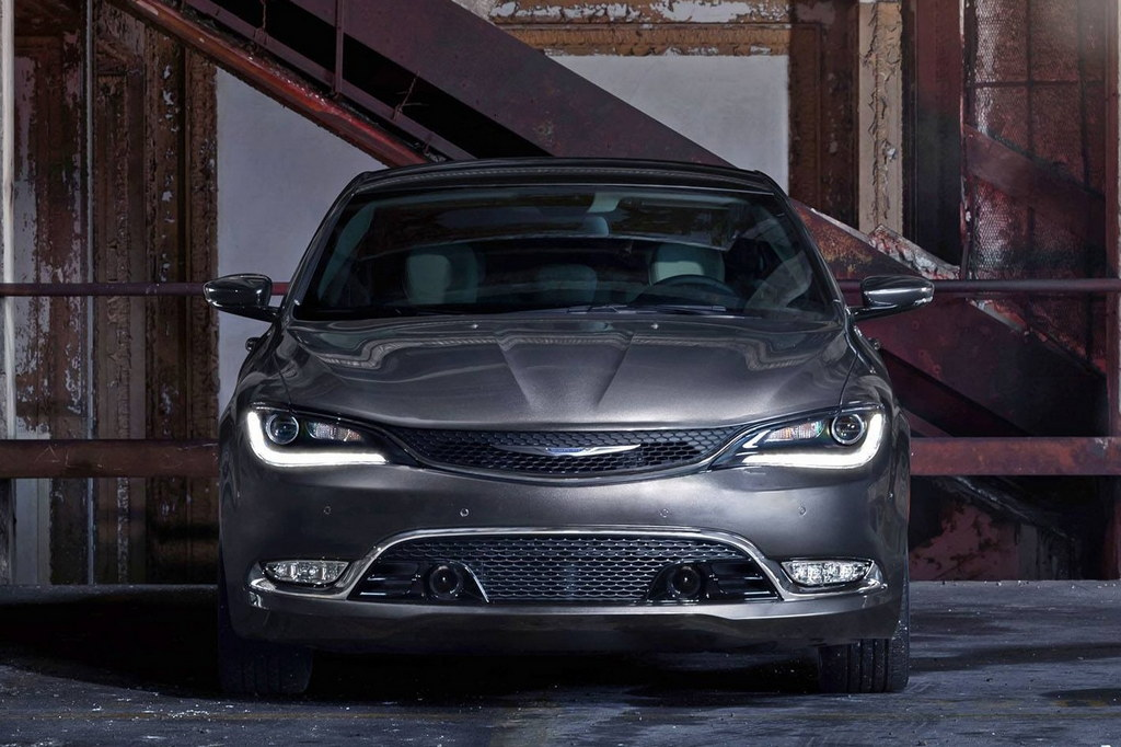 2015 Chrysler 200 N 2 175x175 at 2015 Chrysler 200: Official Pictures