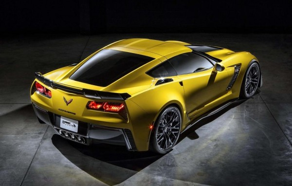2015 Corvette Z06 full 2 600x382 at 2015 Corvette Z06 Stingray: First Pictures