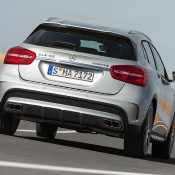 2015 Mercedes GLA45 AMG 8 175x175 at 2015 Mercedes GLA45 AMG Revealed Ahead of NAIAS