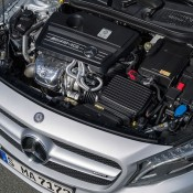2015 Mercedes GLA45 AMG 9 175x175 at 2015 Mercedes GLA45 AMG Revealed Ahead of NAIAS