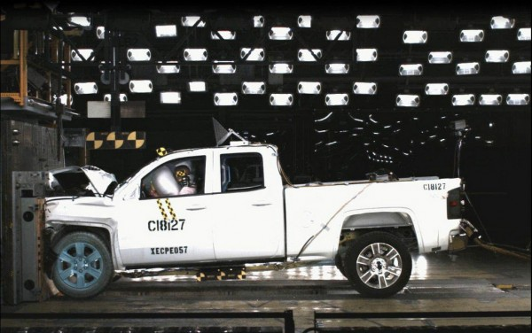 Chevy Silverado and GMC Sierra NHTSA 600x376 at 5 Star Safety Rating for Chevy Silverado and GMC Sierra