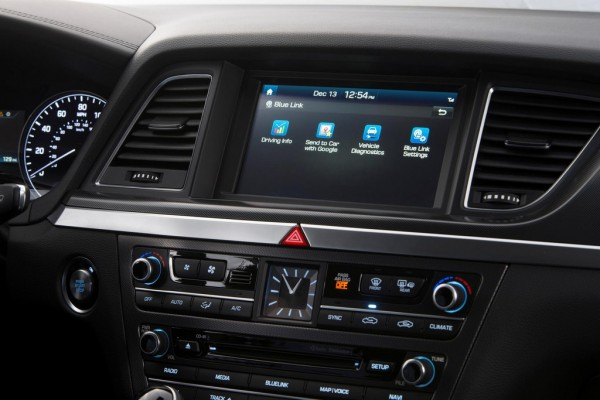 Hyundai Blue Link Generation 2 3 600x400 at Hyundai Blue Link Generation 2 Features Detailed