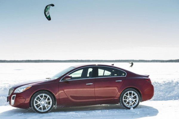 2014-Buick-RegalGS-AWD-039