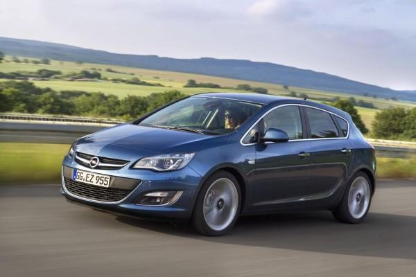 2014-Opel-Astra-Diesel