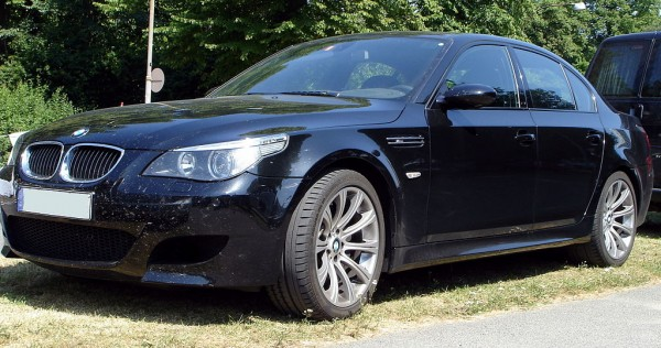 """BMW M5 V10 E60 600x316 at 40 Years of BMW """"M"""" History"""