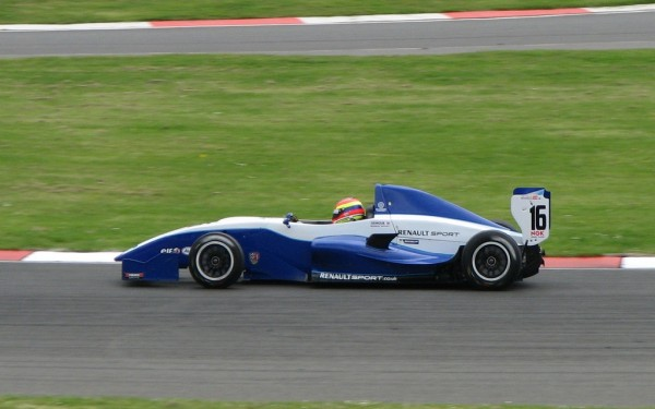 Formula Renault 2.0 600x375 at The Long Road from Karting to Formula One