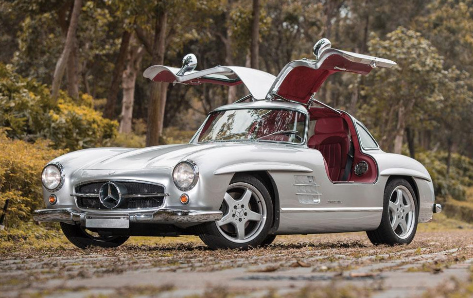 1954 mercedes 300 sl gullwing amg v8 up for grabs for Mercedes benz 300sl gullwing for sale