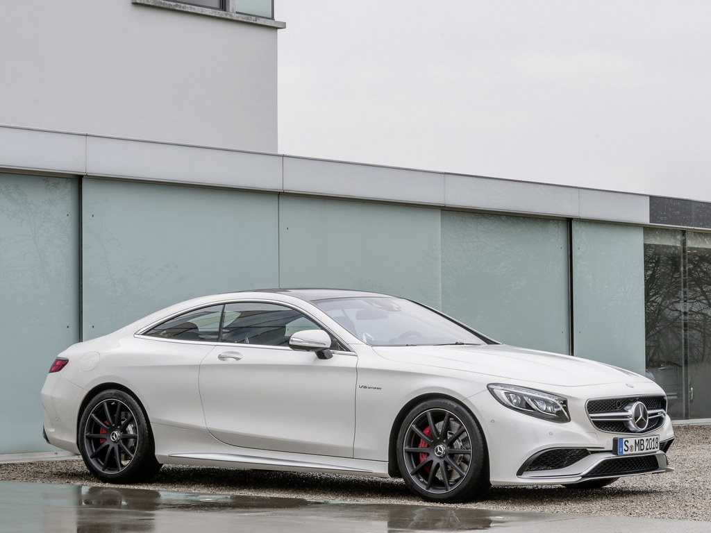 mercedes s63 amg coupe revealed with 585 hp. Black Bedroom Furniture Sets. Home Design Ideas