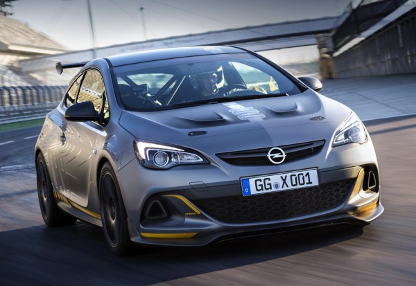 Opel Astra OPC Extreme Track