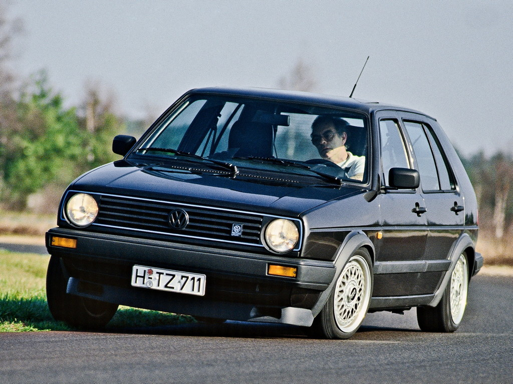 volkswagen golf the hatchback king turns 40. Black Bedroom Furniture Sets. Home Design Ideas