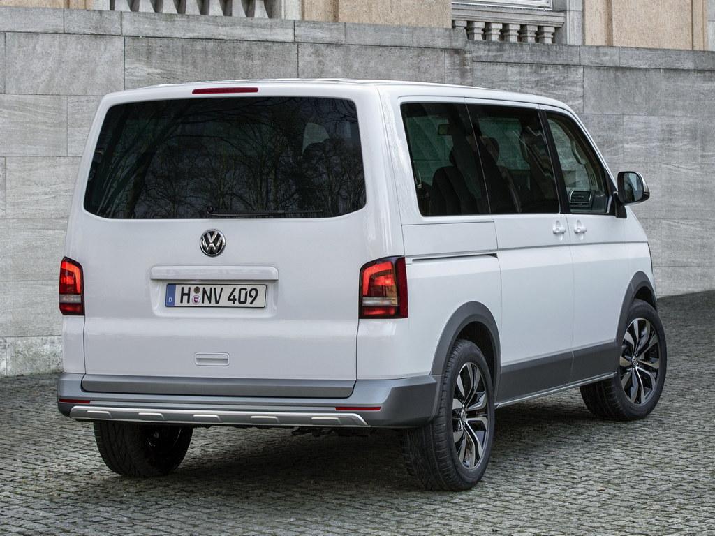 Volkswagen Multivan Alltrack 4 175x175 at Geneva 2014: Volkswagen