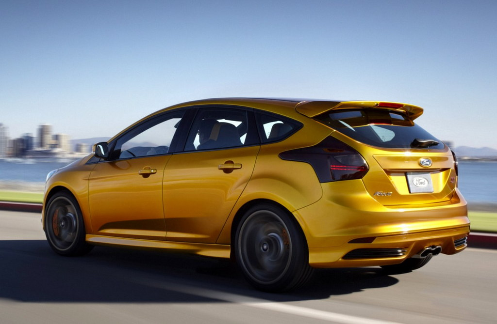 ford focus st diesel to rival golf gtd. Black Bedroom Furniture Sets. Home Design Ideas