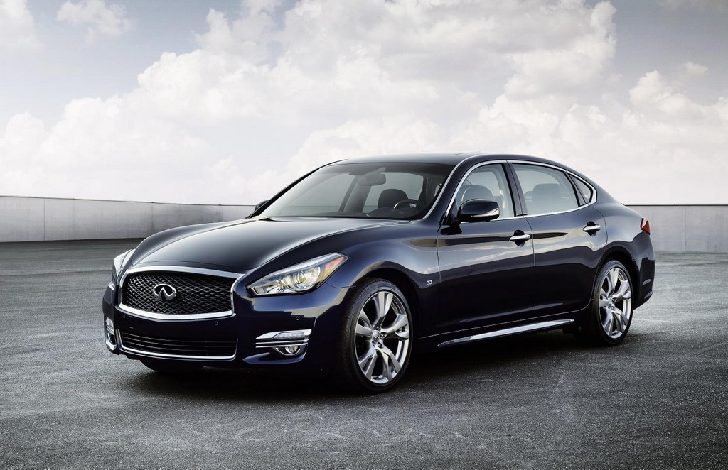 2015 Infiniti Q70 Revealed in NY
