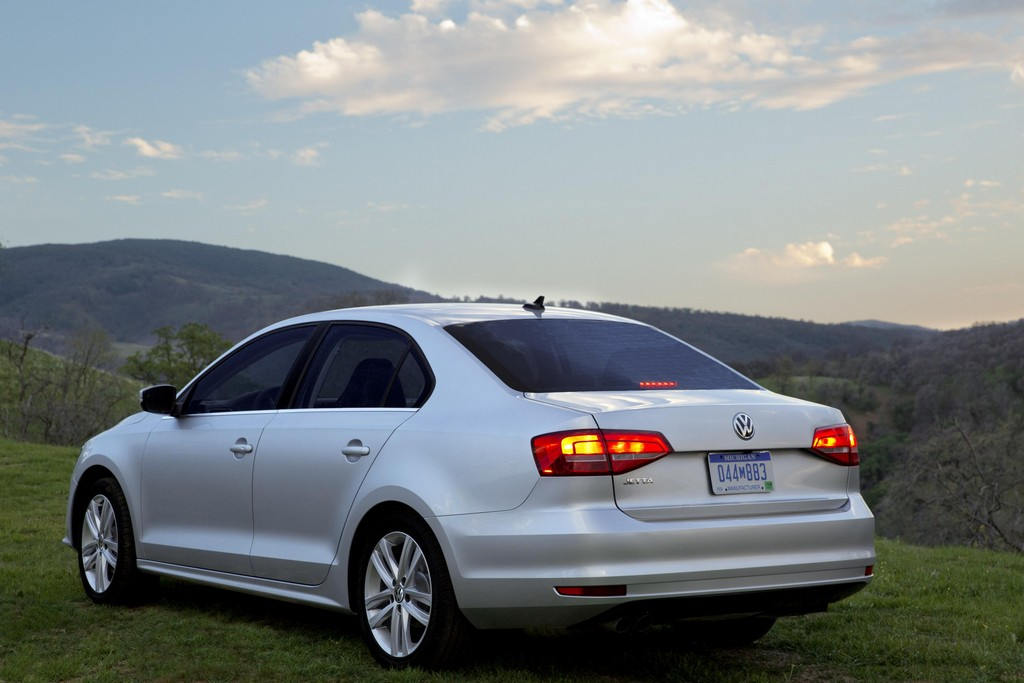 2015 volkswagen jetta confirmed for new york debut. Black Bedroom Furniture Sets. Home Design Ideas