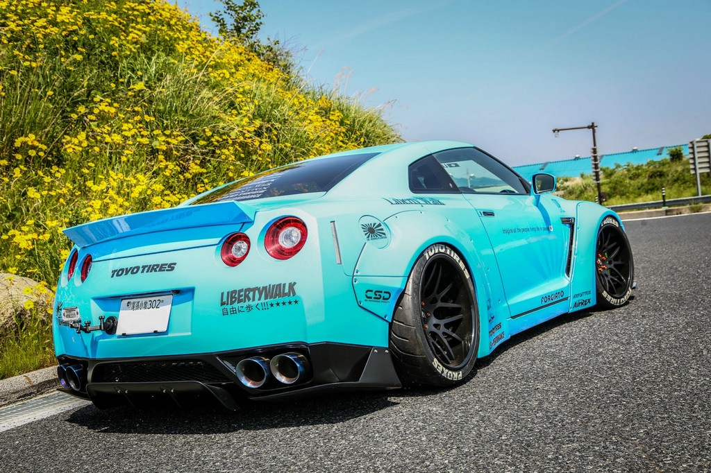 liberty walk nissan gt r wide body in sky blue. Black Bedroom Furniture Sets. Home Design Ideas