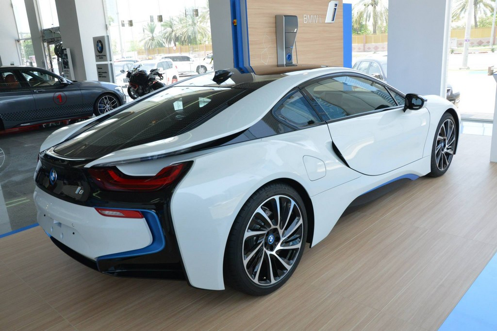 Bmw I8 Abu Dhabi 0 600x400 At BMW Live Photos From
