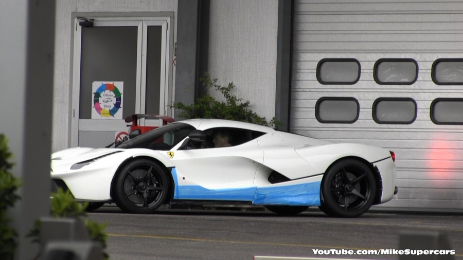 first white laferrari spotted in maranello. Black Bedroom Furniture Sets. Home Design Ideas