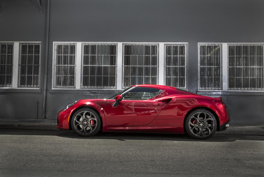 alfa romeo 4c us spec detailed. Black Bedroom Furniture Sets. Home Design Ideas