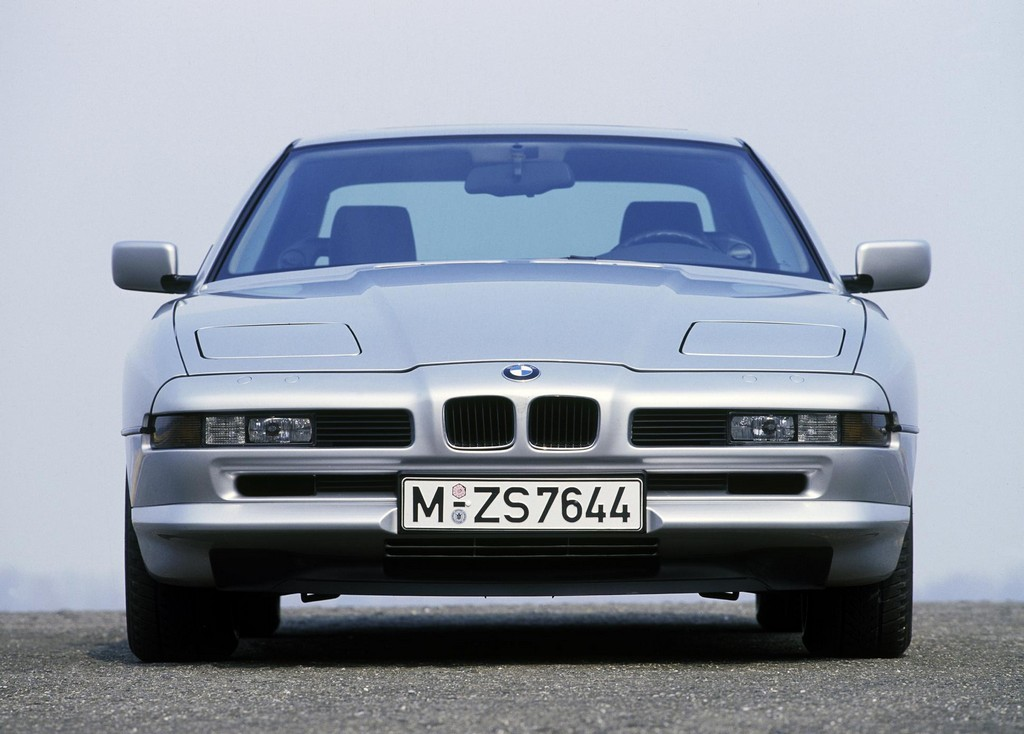 bmw 8 series 25th anniversary marked with large parade. Black Bedroom Furniture Sets. Home Design Ideas