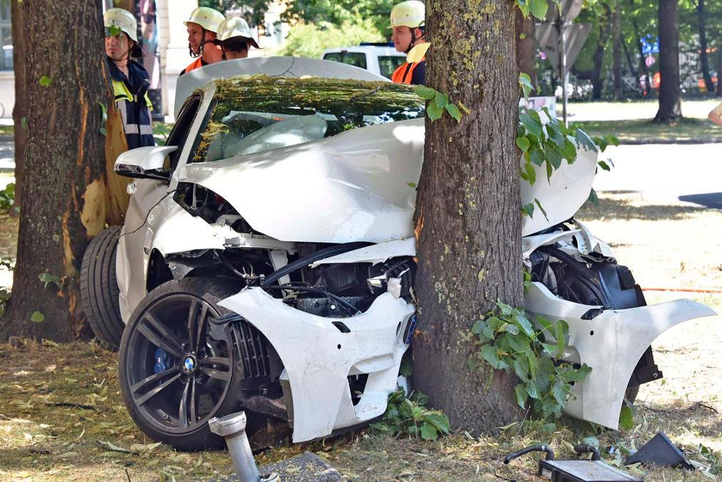 brand new bmw m4 wrecked beyond recognition