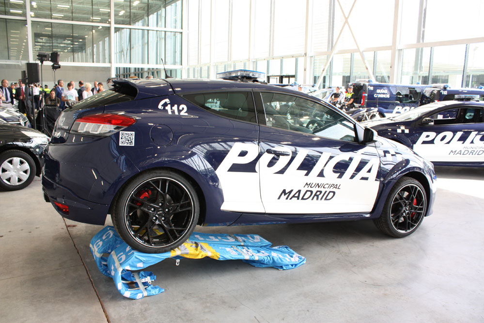 2014 renault megane rs joins madrid police force. Black Bedroom Furniture Sets. Home Design Ideas