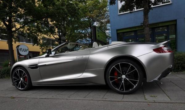 Aston Martin Vanquish Volante X