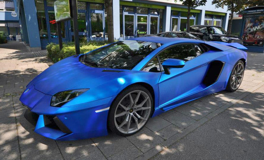 aventador in blue chrom brushed 0 600x363 at lamborghini aventador wrapped in blue chrome brushed - Lamborghini Aventador Blue Chrome