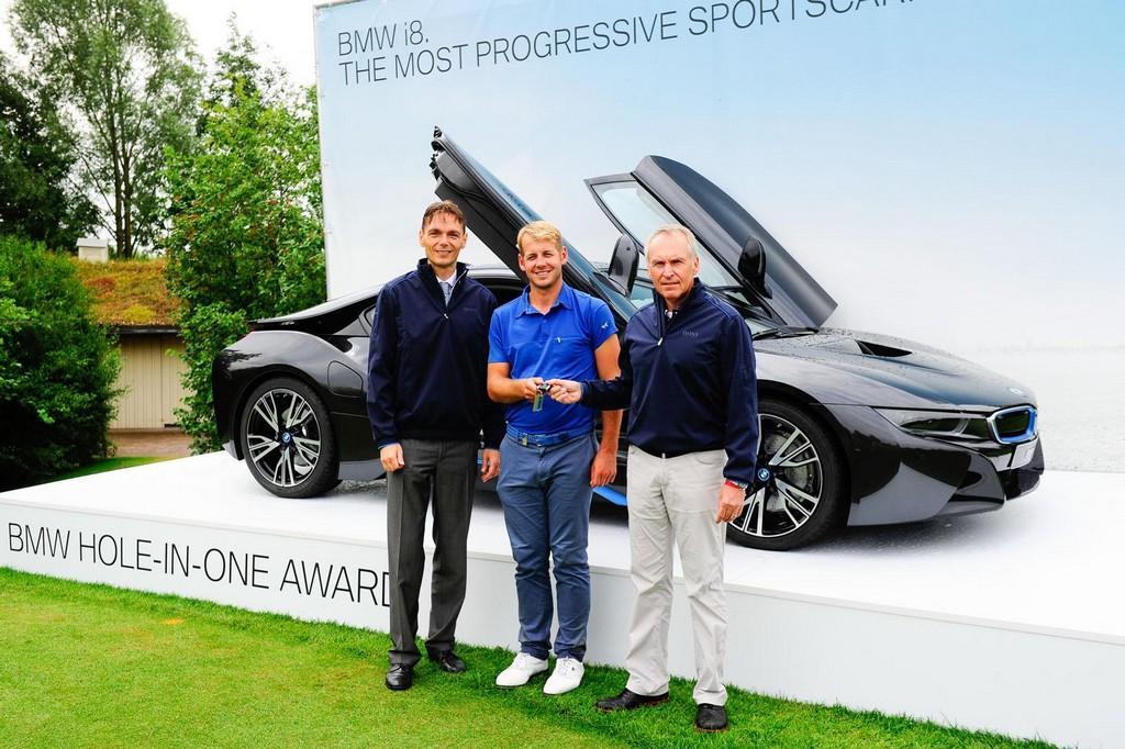 Hole In One Shot Wins Golfer A Brand New Bmw I8