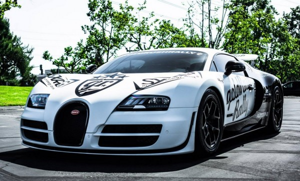 Bugatti Veyron Super Sport Pur Blanc 0 600x363 at Bugatti Veyron Pur Blanc Clocks 246.4 MPH on Public Road