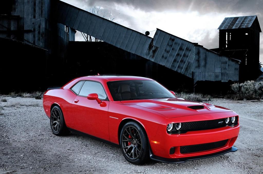 dodge challenger srt hellcat rated at 707 horsepower. Black Bedroom Furniture Sets. Home Design Ideas