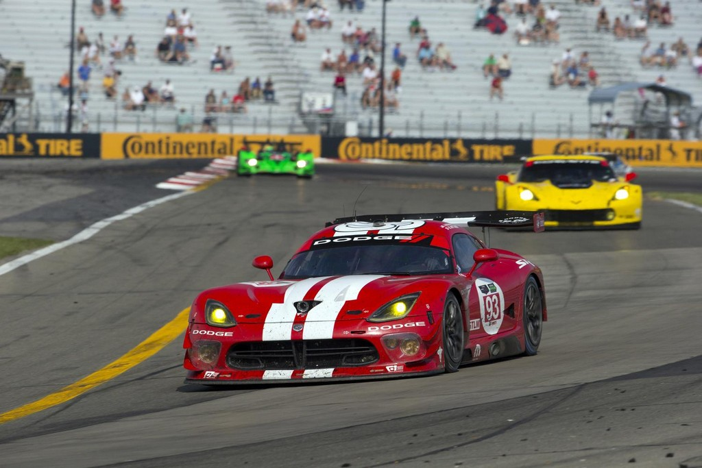 Viper SRT GTS R 5 175x175 at Retro–Liveried Dodge Viper SRT GTS R ...