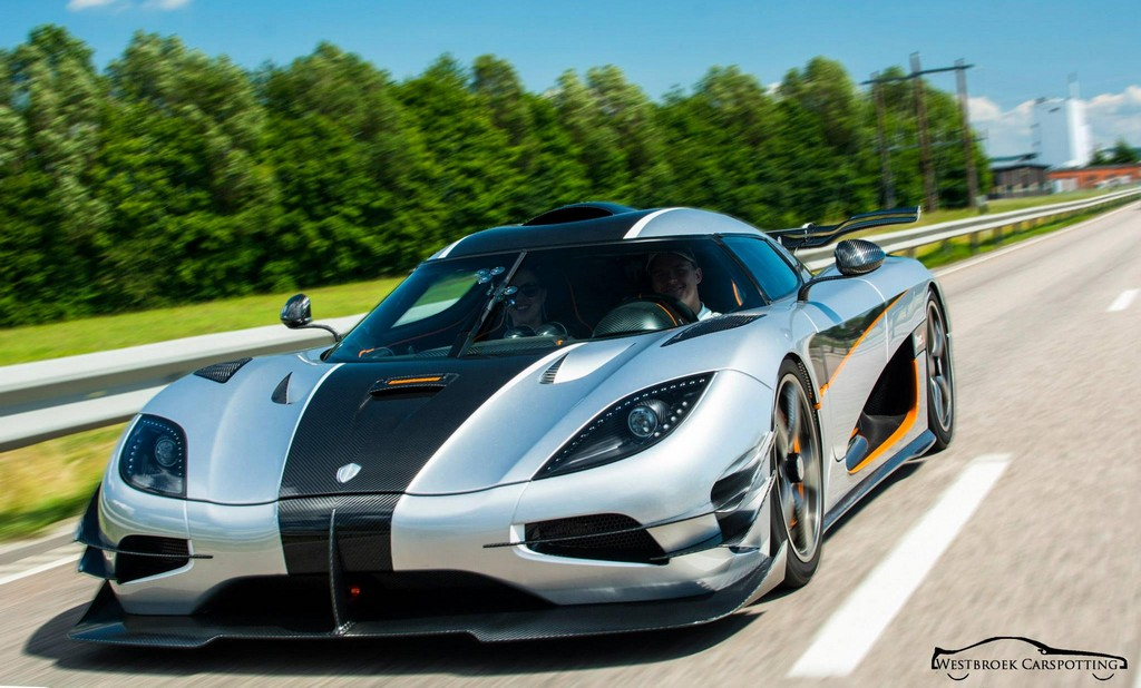 koenigsegg one 1 spotted on the road. Black Bedroom Furniture Sets. Home Design Ideas