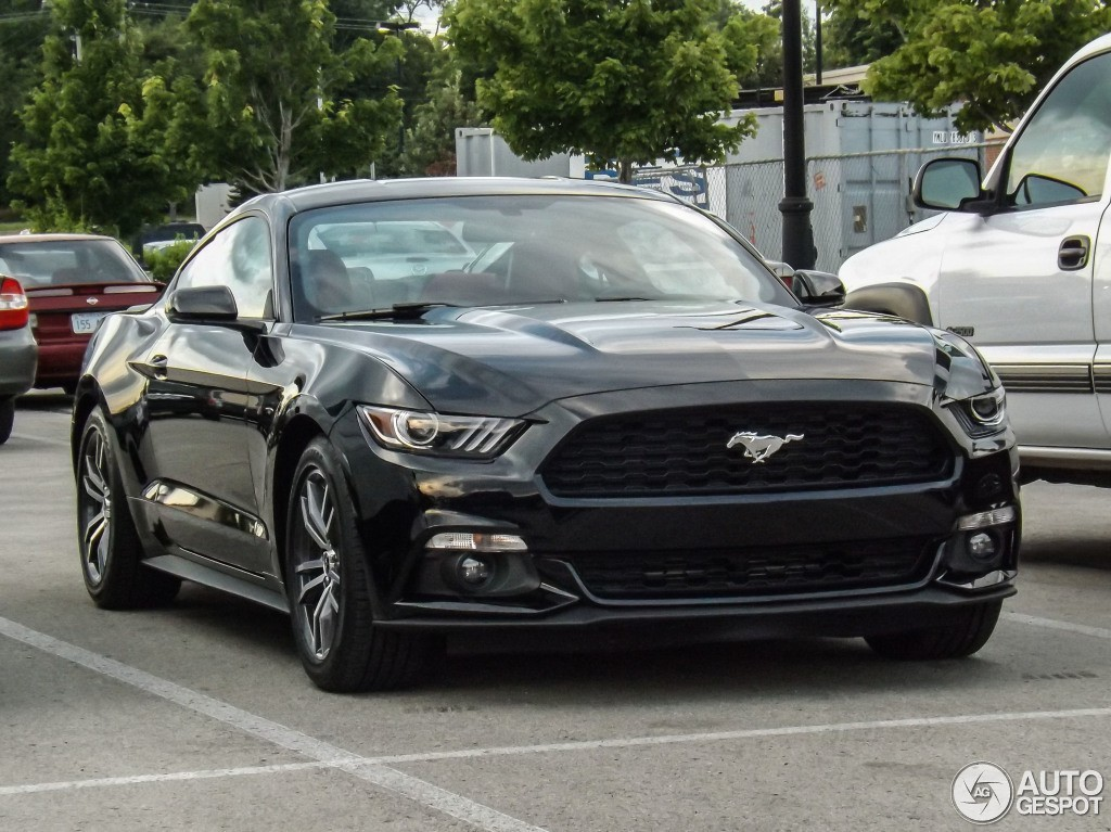 mustang gt spot 4 175x175 at 2015 ford mustang gt spotted on the road