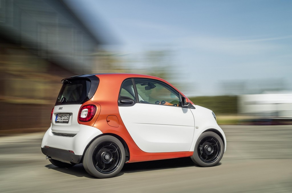2015 smart fortwo forfour revealed. Black Bedroom Furniture Sets. Home Design Ideas
