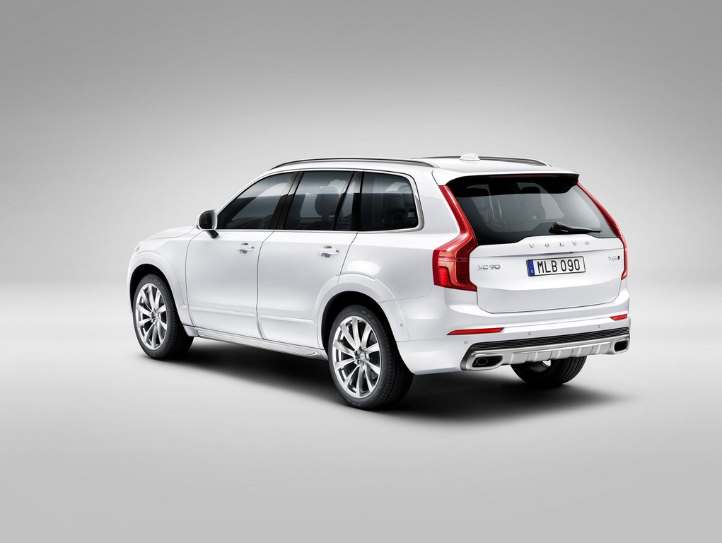 2015 volvo xc90 revealed with fancy new looks. Black Bedroom Furniture Sets. Home Design Ideas