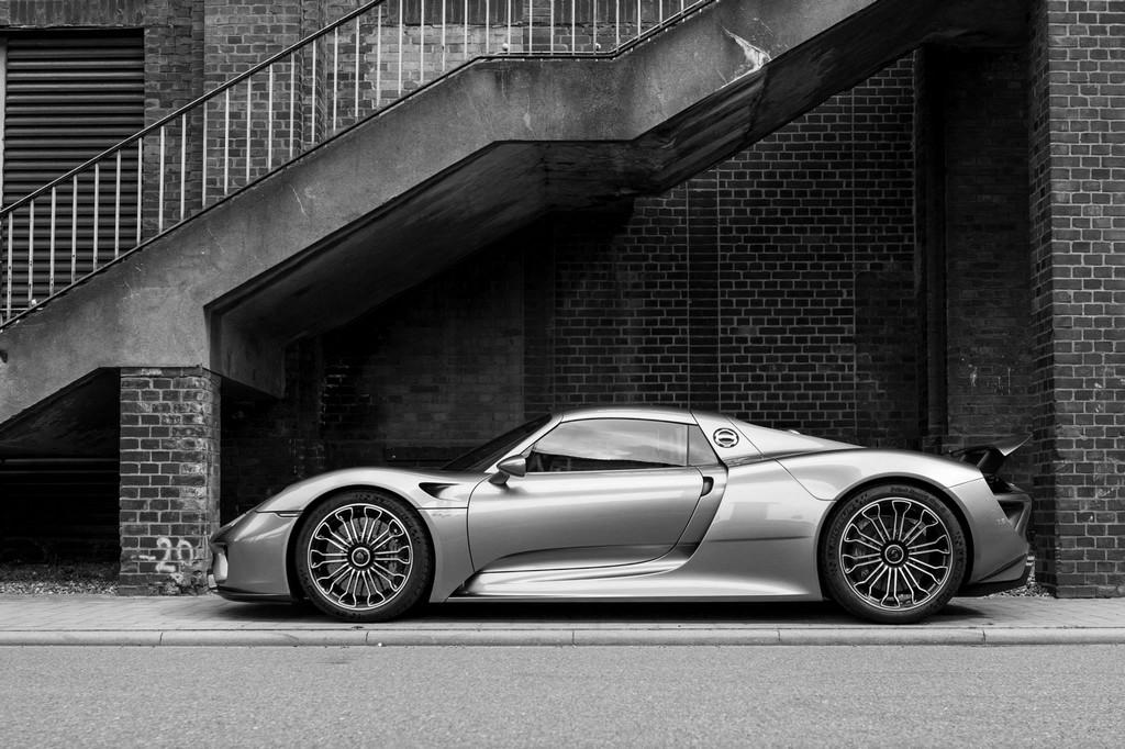 edo 918 spyder 2 175x175 at edo porsche 918 stars in artsy photoshoot - Porsche Spyder 918 Black