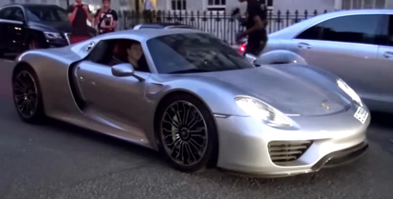 950 hp oakley design porsche 918 spotted in london. Black Bedroom Furniture Sets. Home Design Ideas