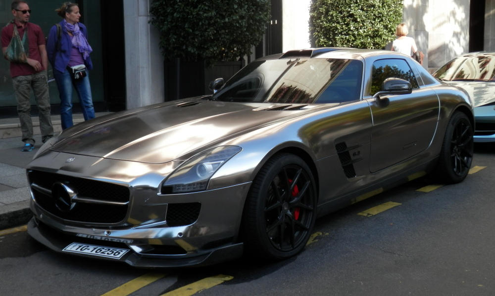 Oakley Design Mercedes Sls Looks Surprisingly Cool In Chrome
