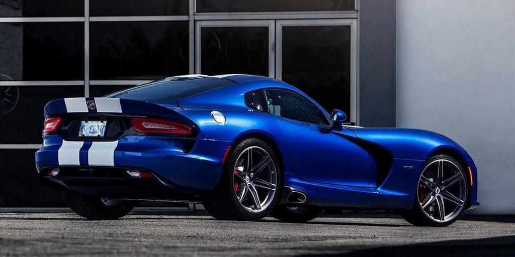 2014 Dodge Viper Looks Classy on HRE Wheels