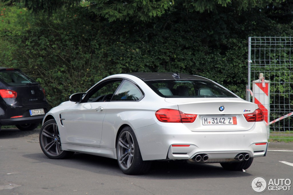 white bmw m4 looks superb. Black Bedroom Furniture Sets. Home Design Ideas