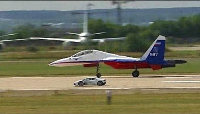 Lamborghini Huracan Vs Russian Fighter Jet