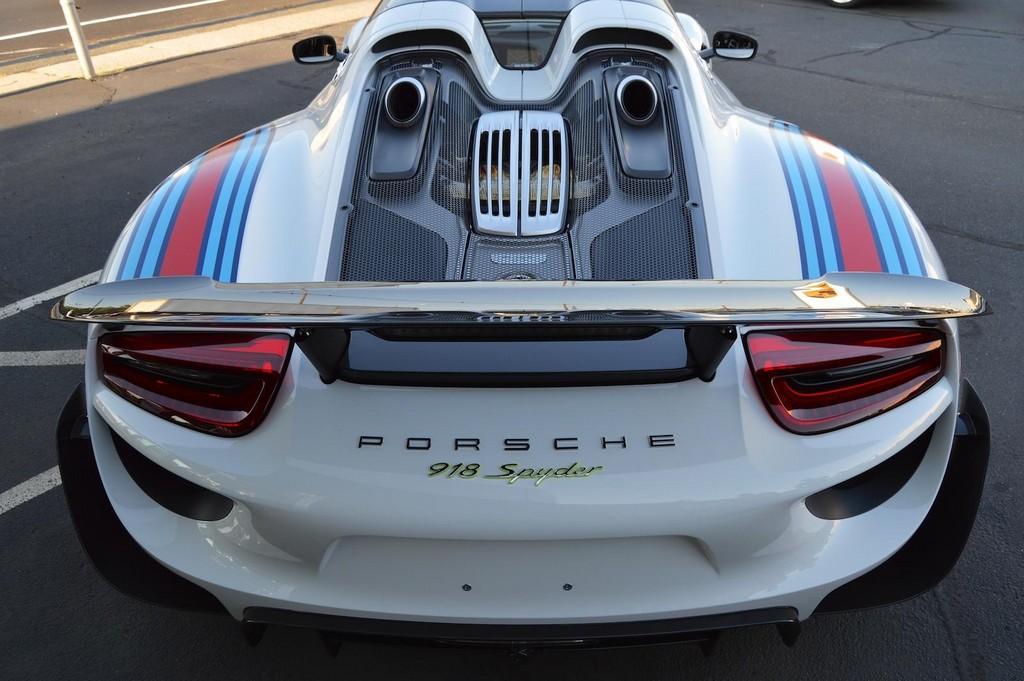 Фото | Крышка двигателя Porsche 918 Spyder