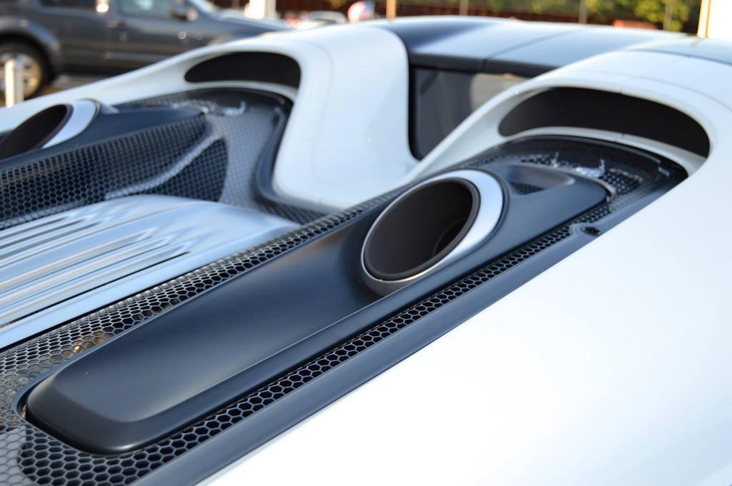 Фото | Выхлопные сопла Porsche 918 Spyder