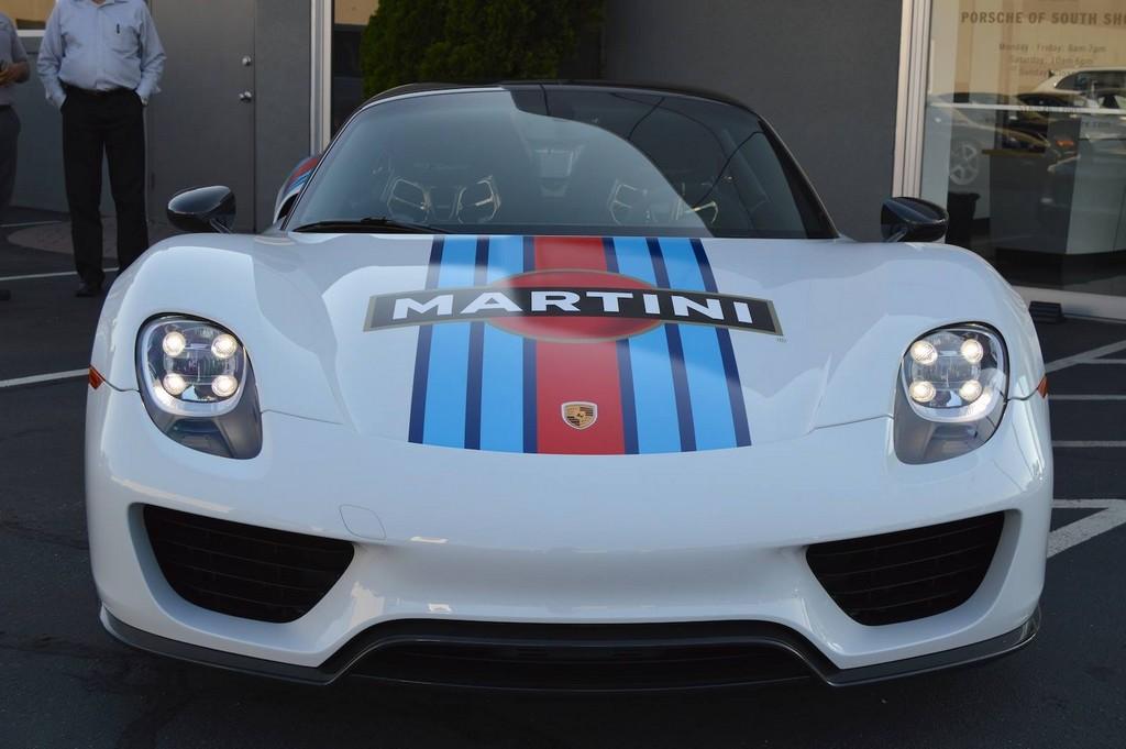 Живые фото Porsche 918 Spyder Martini